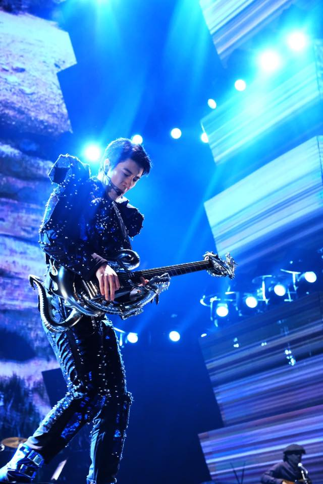 王力宏去年12月29、30日在武汉开唱,演出结束后,约1月10日起开始发烧,之后回台疗养与居家隔离。图:取自王力宏脸书