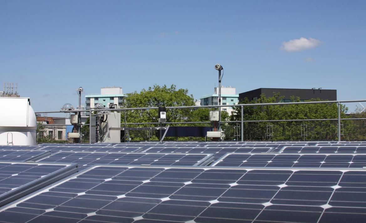 新冠肺炎缓和空污,间接致使太阳能发电效能提高。图:撷取自Sheffield Solar官网